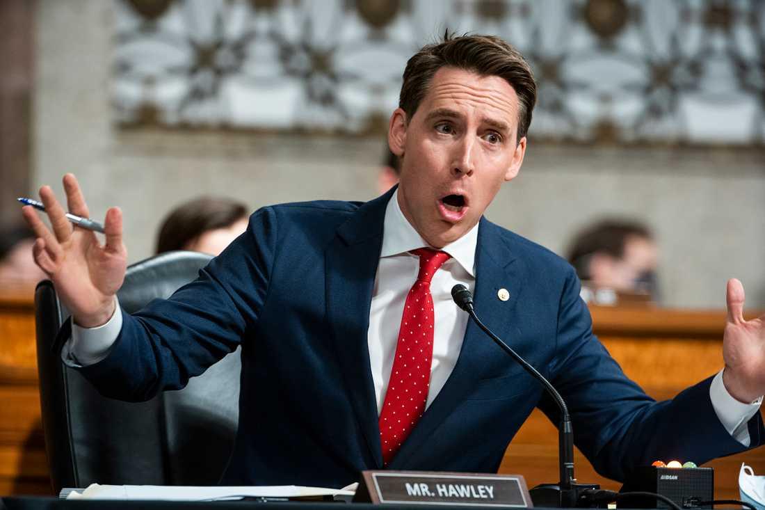 """Tiktok utgör en """"stor säkerhetsrisk"""" menar den amerikanske senatorn Josh Hawley. Arkivbild."""