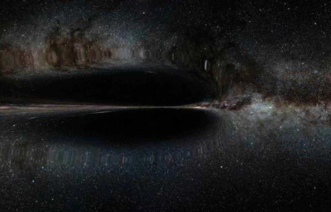 Bild 1 visar hur en warpbubbla kan uppstå. Bubblan fungerar genom att krympa rumtiden framför sig och expandera den bakom sig. Det får bubblan att röra sig (som en surfare på havet) i ljusets hastighet samtidigt som skeppet står stilla inuti. Då skulle, enligt Alcubierres teori, skeppet inte förstöras. Teorin har aldrig bevisats vara genomförbar, men det kan förändras om Nasas upptäckt visar sig vara korrekt.  Men det finns fortfarande stora frågetecken, bland annat hur warpbubblan ska hålla sin form när den uppnår ljusets hastighet.