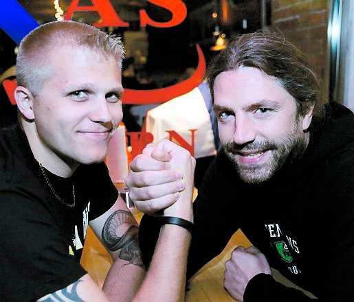 styrkemätning Daniel Wilhelmsson, Black Army, och Staffan Swing, Bajen Fans, om hur en tränare ska behandla sina supportrar.