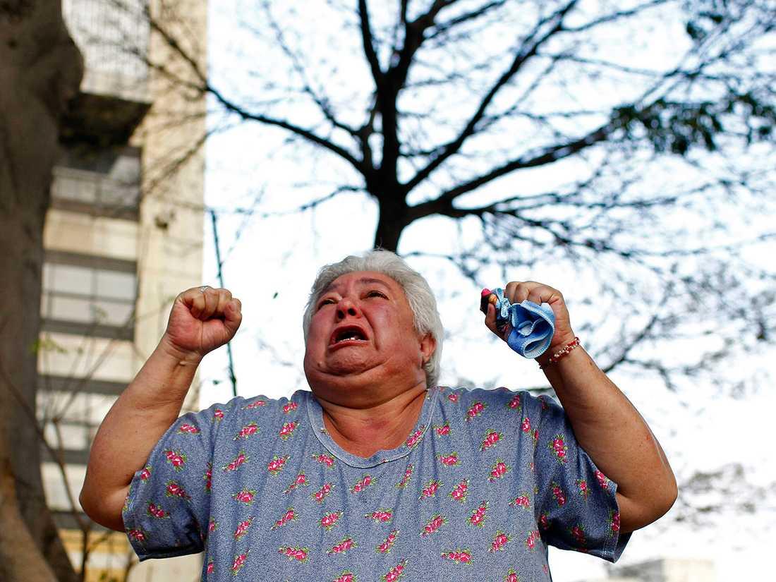Många gav uttryck för sin sorg på gatorna i Caracas.