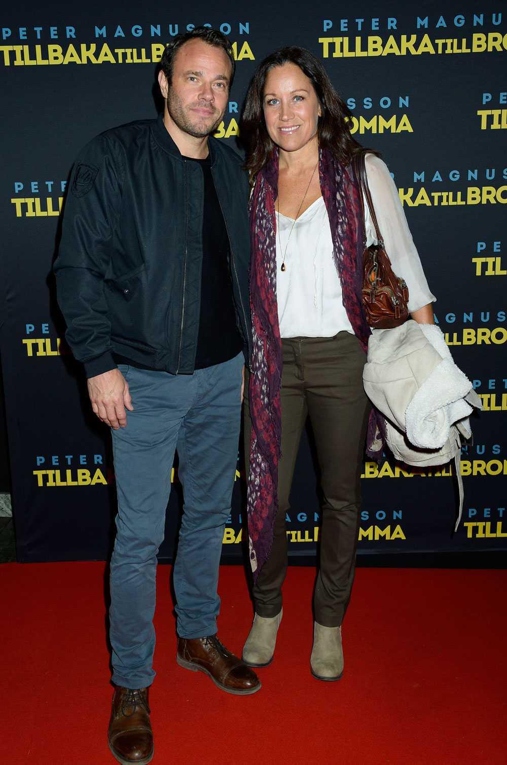 Renée Nyberg & David Hellenius TV4:s mesta powerpar Renée Nyberg, 48, och David Hellenius, 40, delar inte bara arbetsplats - de är också väldigt lika varandra. Så om någon av dem behöver en ersättare någon gång är det bara att ringa den andre. Så himla praktiskt.
