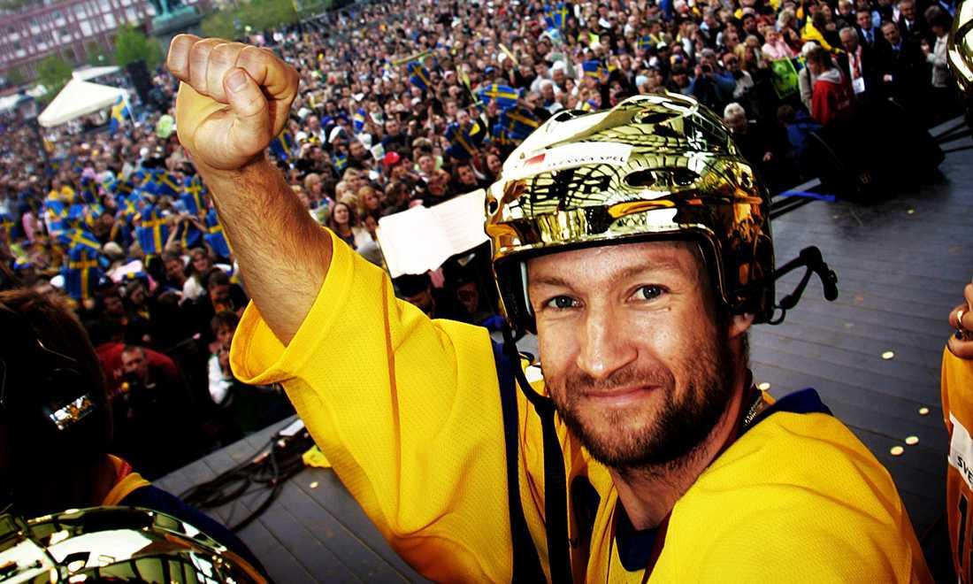 VM-guldet 2006 firas i Kungsträdgården.