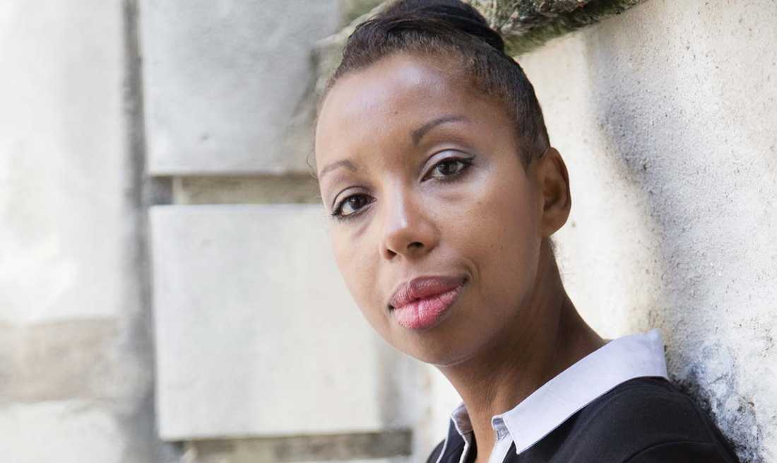 "Författaren Marie NDiaye, (f. −67), aktuell med ""La cheffe""."