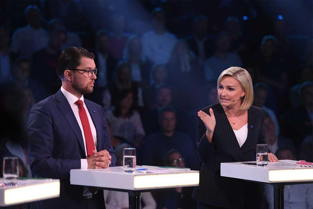 """""""Hon har gett järnet hela valrörelsen"""", säger Aftonbladets Lena Mellin."""