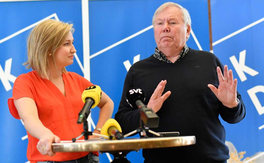 KD:s Ebba Busch Thor på valturné med Bert Karlsson.