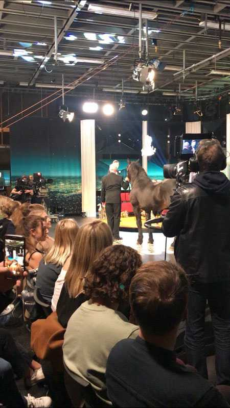 Järvsöfaks i tv-studion.