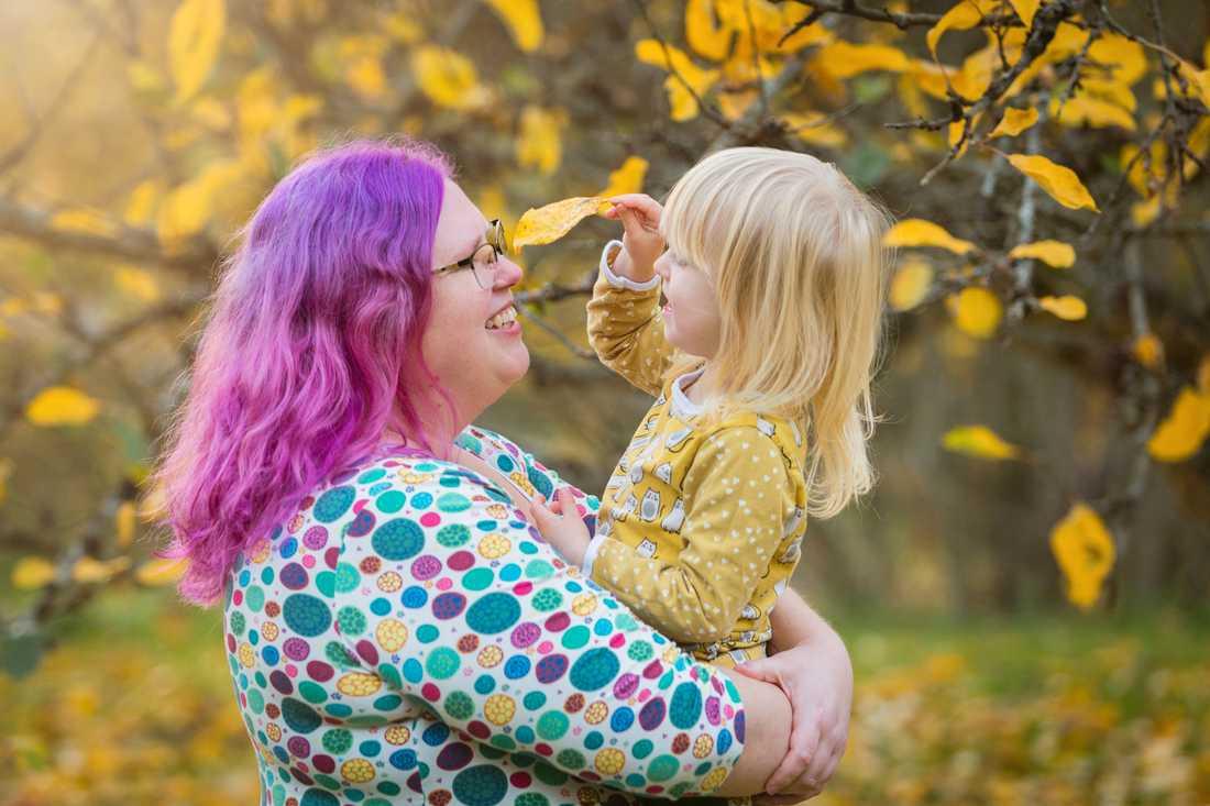 Fotografen Ylva-Li  Niggeman med dottern.