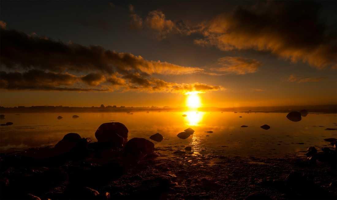 En mycket fin soluppgång i Glommen i Falkenberg. Många glömmer att soluppgången kan vara lika fin som sol nedgången, skriver Jan.