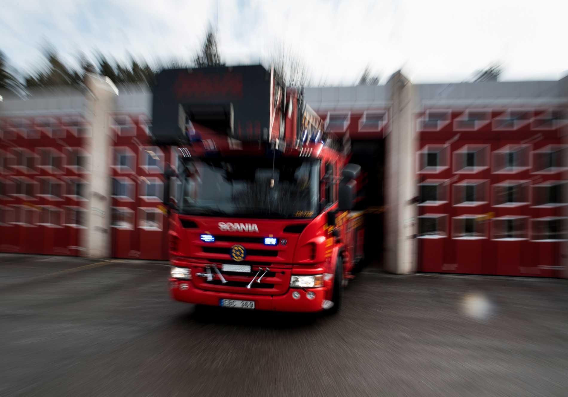 Ett flerfamiljshus i Storfors norr om Kristinehamn har totalskadats i en brand. Arkivbild.