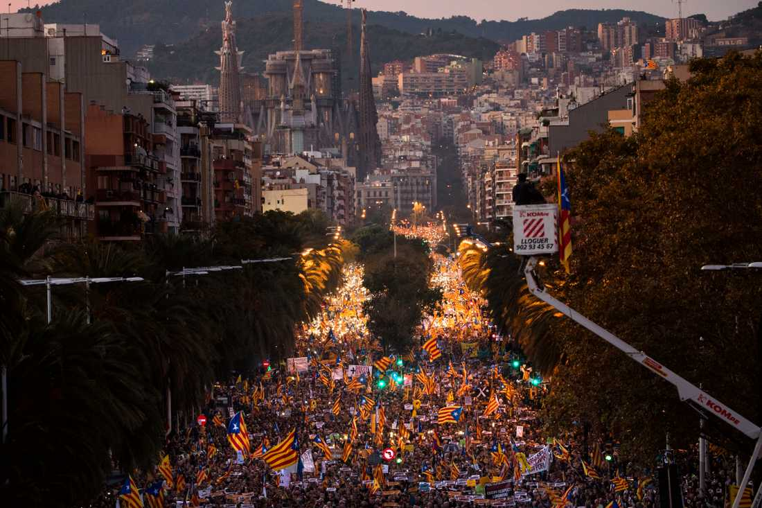 Enligt polisen var det cirka 750000 människor som gav sig ut på Barcelonas gator för att fördöma rättprocesserna mot de avsatta katalanska ledarna.