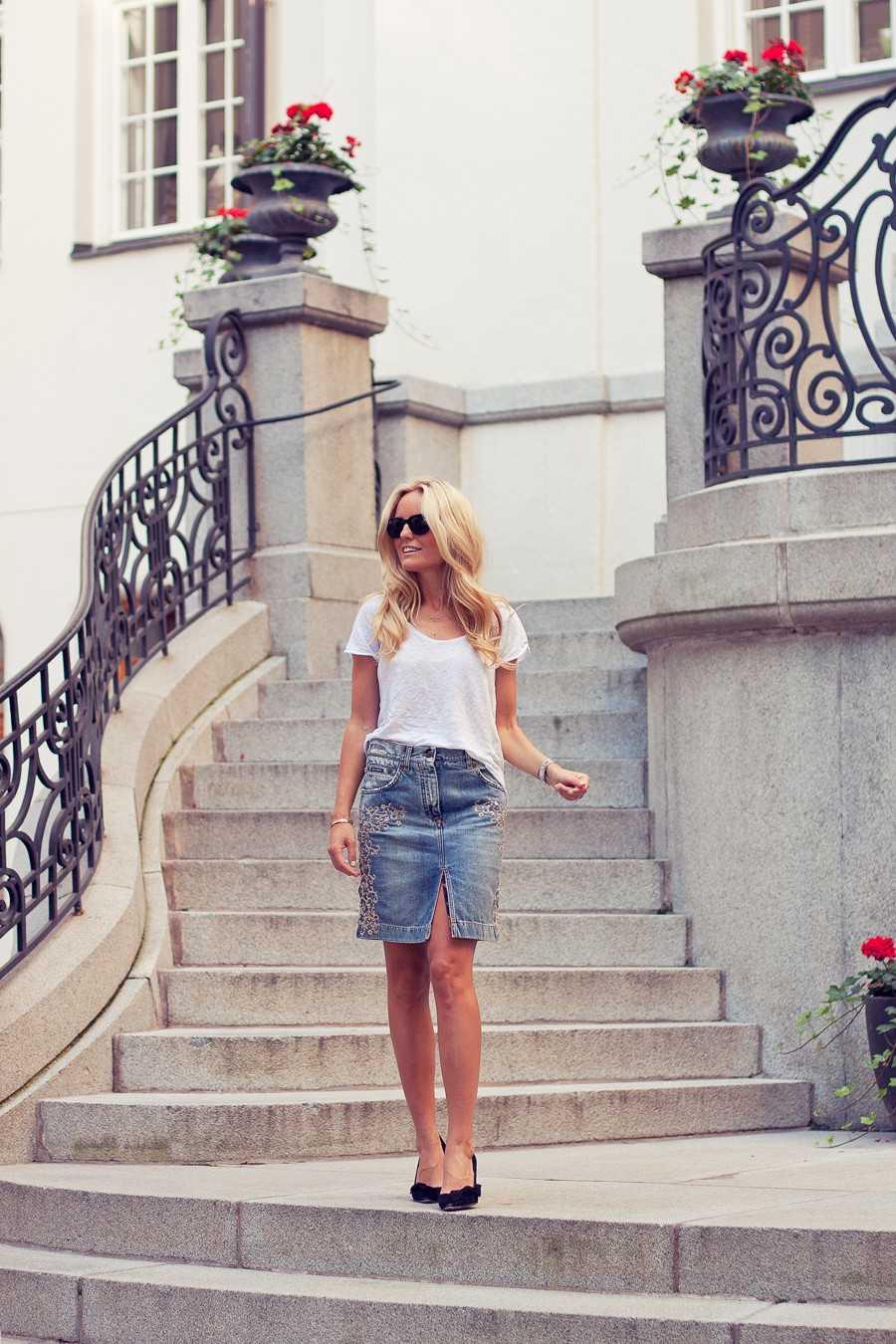T-shirt - Zara, Kjol - Dolce & Gabbana, Pumps - Isabel Marant, Foto: Ramispics.
