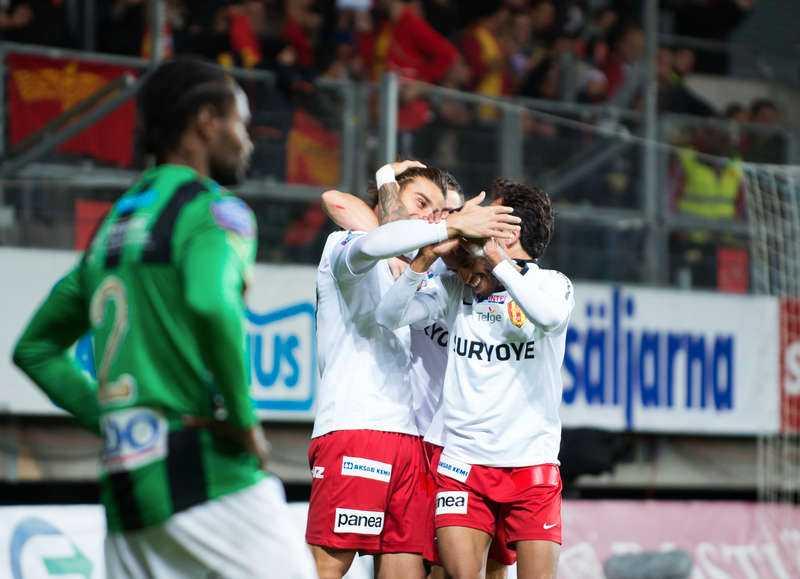 Tufft spelschema Syrianska tog sig upp ovanför kvalstrecket efter segern mot Gais. Men avslutningen ser tuff ut då man bland annat möter Malmö FF, Häcken och AIK som alla jagar guldet.
