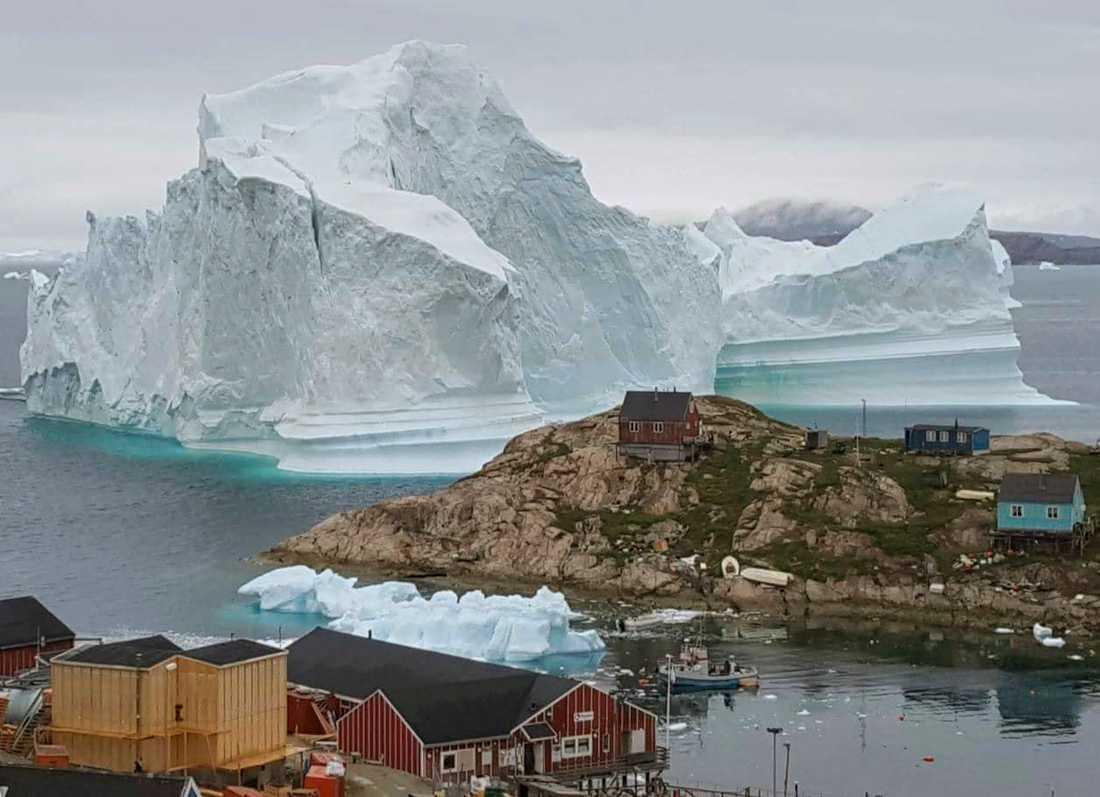 Ett isberg på Grönland som brutits loss från glaciären.