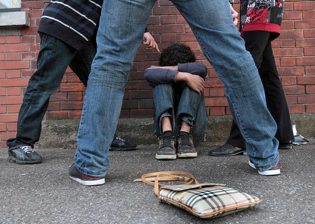 kränkningar Skolinspektionen och Barn- och elevombudet berättade i en debattartikel i DN att de fått in flera särskilt allvarliga anmälningar om kränkningar av barn i skolan och förskolan.