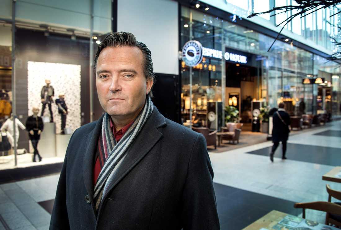 """Polisens Jan Olsson uppmanar till försiktighet: """"Gå inte på det där"""", säger han."""
