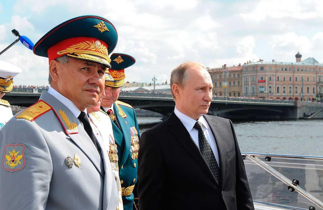 Rysslands försvarsminister Sergej Sjojgu  och president Vladimir Putin.