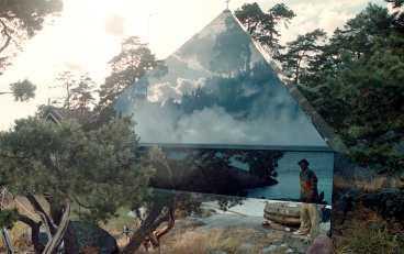 glaspyramid En av de många små byggnaderna på egendomen. Här kan besökare bo.