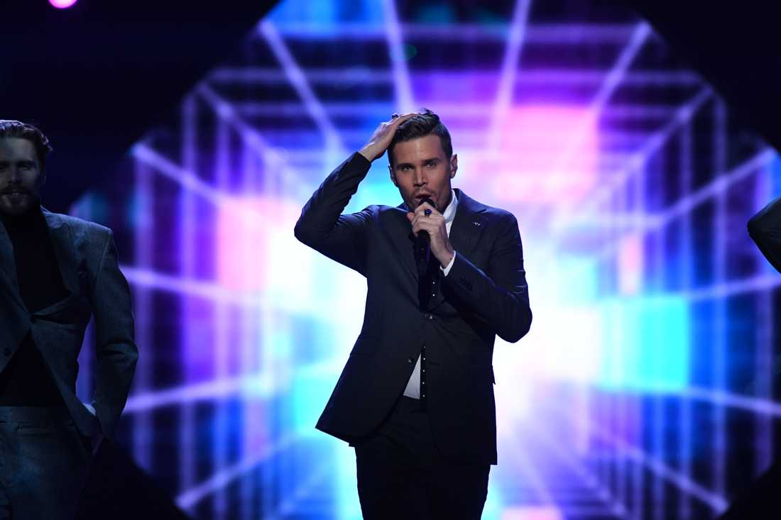 Robin Bengtsson i Melodifestivalen 2017.