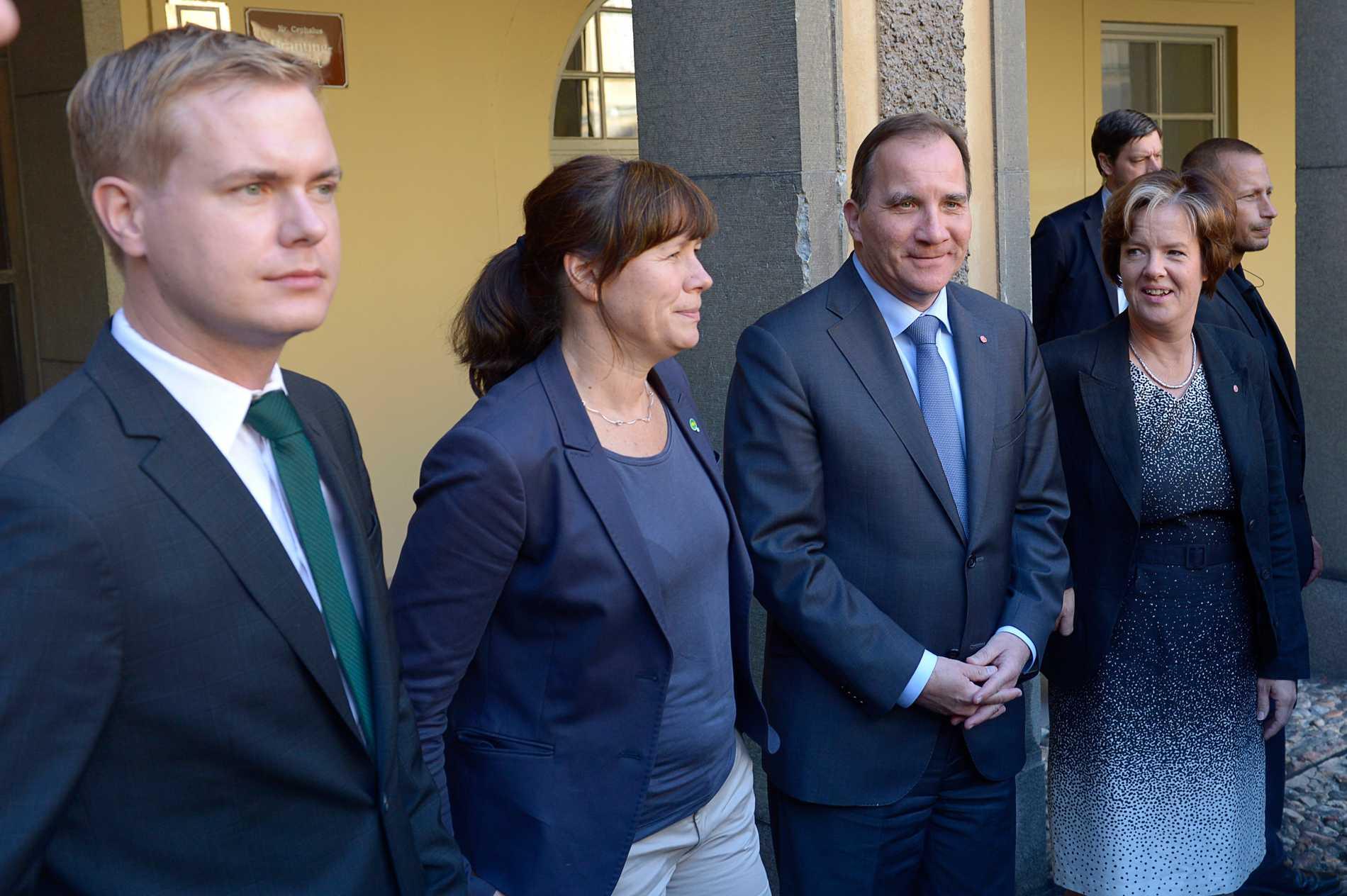 Gustav Fridolin, Åsa Romson, Stefan Löfven och Carin Jämtin.
