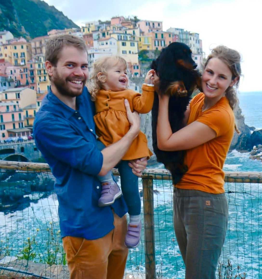 Manarola i Italien, taxen Maggie är med.