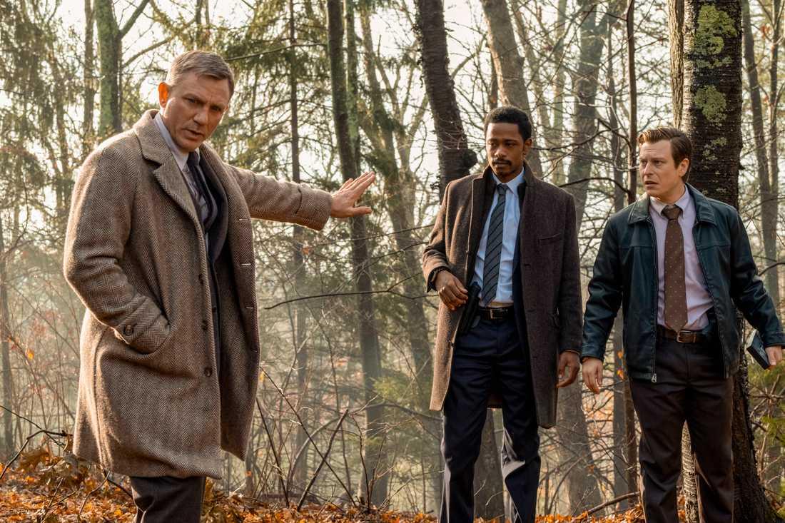 Daniel Craigs deckare visar ledtrådar för poliserna.