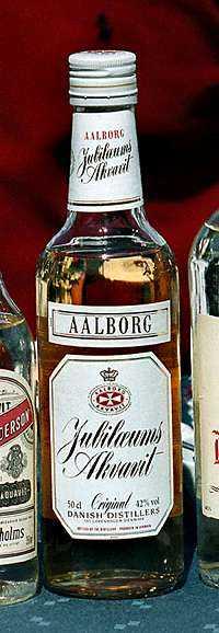++++ Aalborg jubileums akvavit Styrka: 42 % Pris: 183 kr/50 cl Omdöme: Alltid rätt på midsommarbordet. Backar upp sillen på ett förtjänstfullt sätt.