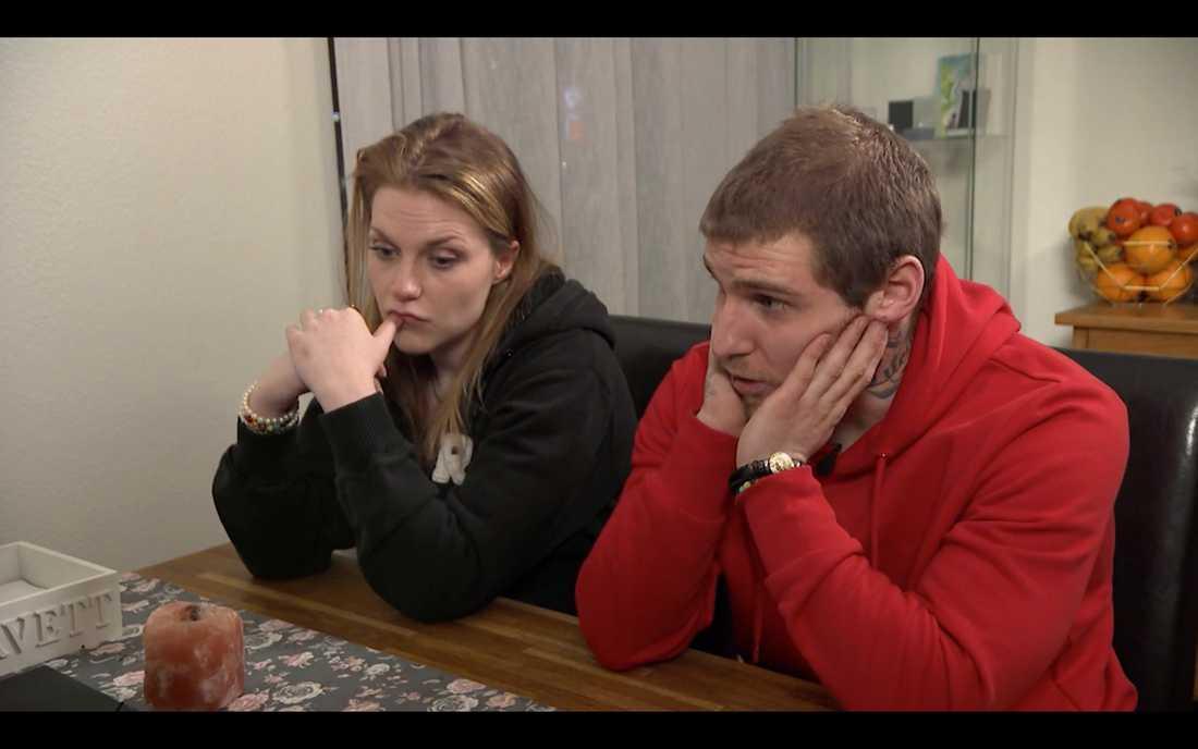 """Sanne och Christoffer tar hjälp av """"Lyxfällan"""" för att få ordning på skulderna."""