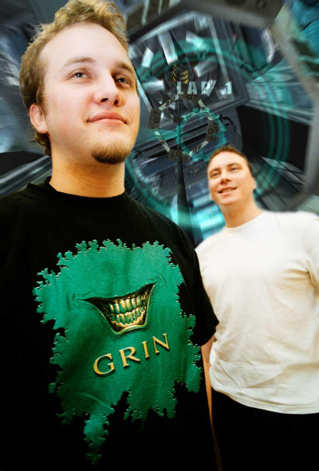 2000 En tidig bild på Bosse och Ulf. De hade precis börjat bygga sitt familjeföretag.