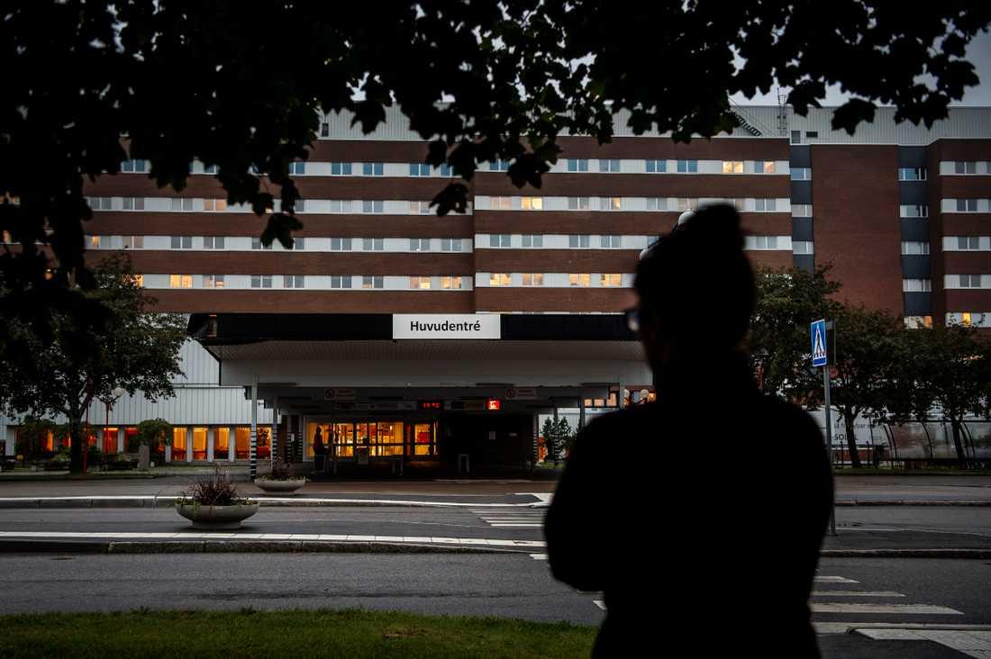 """"""" Jag har frågat min son rakt ut om det var ett chicken race, och han sade nej"""", säger mamman till den 18-årige föraren, som vårdas på Sundsvalls sjukhus."""