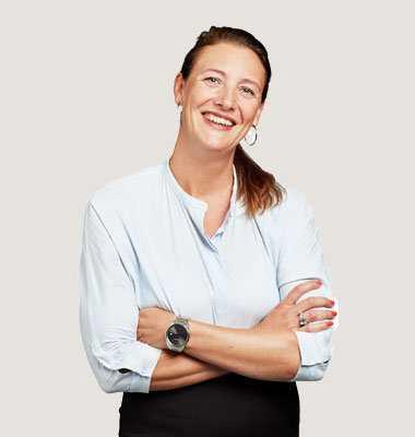 Linda Ljunggren Syding anser att det är viktigt alla måste visa civilkurage och larma om barn mår dåligt under coronakrisen. Orsaken är att exempelvis skolpersonal som är vana att göra orosanmälningar inte träffar barnen om de är hemma.