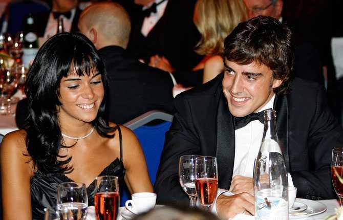 Raquel del Rosario, Fernado Alonsos flickvän är en välkänd sångerska i Spanien, medlem i gruppen El Sueño de Morfeo (Morpheus' Dream).
