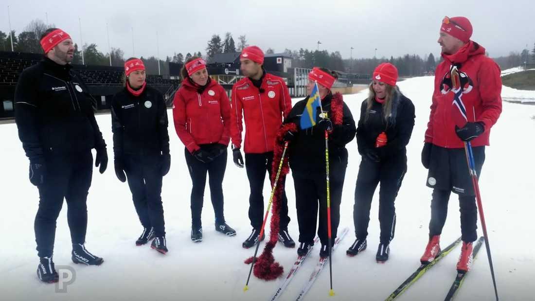 Susanne och de andra deltagarna får hjälp med träningen inför Vasaloppet av bland andra Os- och VM-guldmedaljören Johan Olsson (längst till höger).