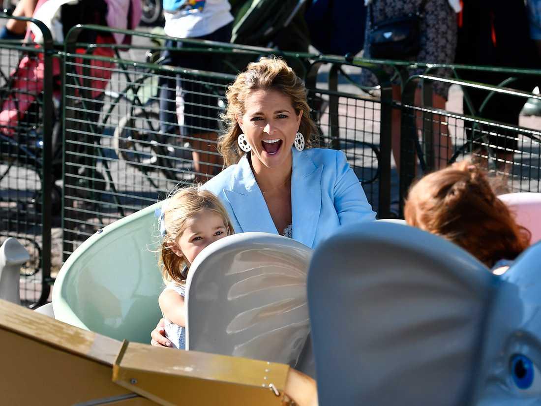 Prinsessan Madeleine och dottern Leonore var på plats på Gröna Lund.