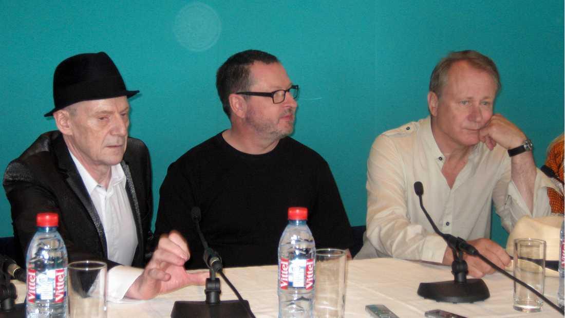 Lars von Trier, Stellan Skarsgård och Jesper Christensen håller skandinavisk presskonferens i Cannes 2011.