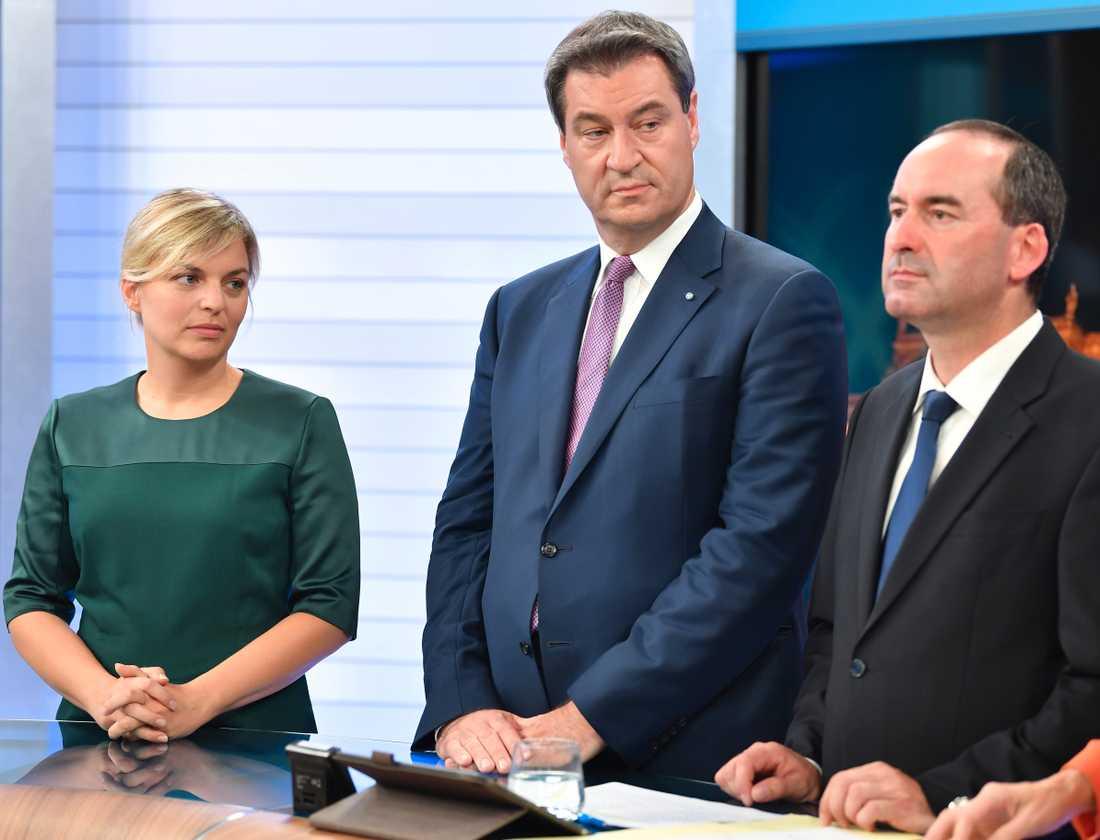 De grönas toppkandidat Katharina Schulze, Bayerns regeringschef Markus Söder (CSU) och Fria väljares toppkandidat Hubert Aiwanger vid en tv-debatt efter söndagens delstatsval.