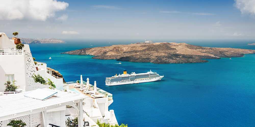 Luftföroreningarna ökar på Santorini på grund av kryssningsfartyg som släpper ut svavel.