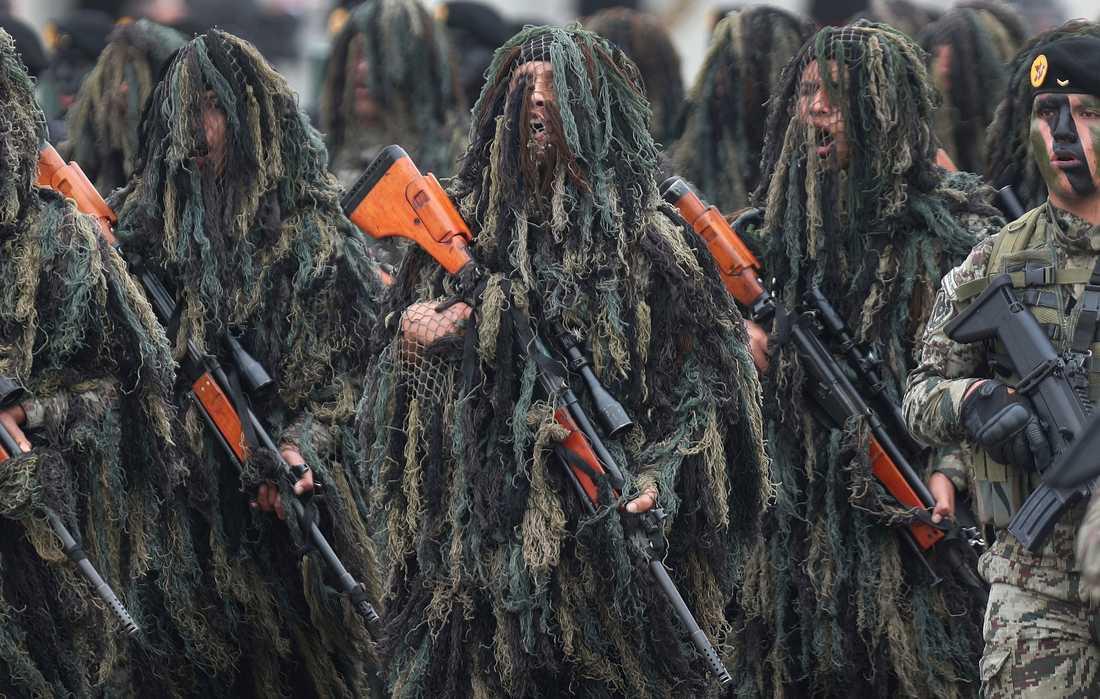 Peruanska soldater under en parad förra året.