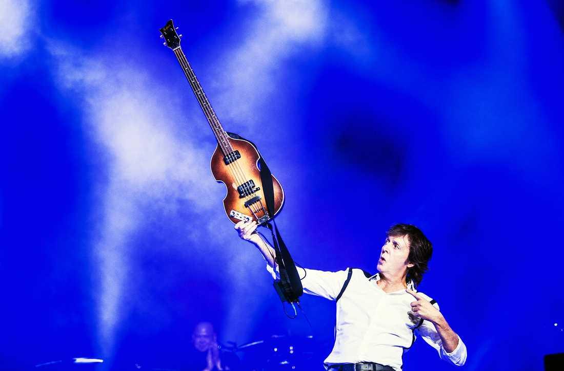 Paul McCartney in action.