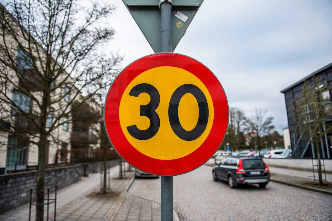 Fler vägar borde ha 30 som maxhastighet, anser NTF. Arkivbild