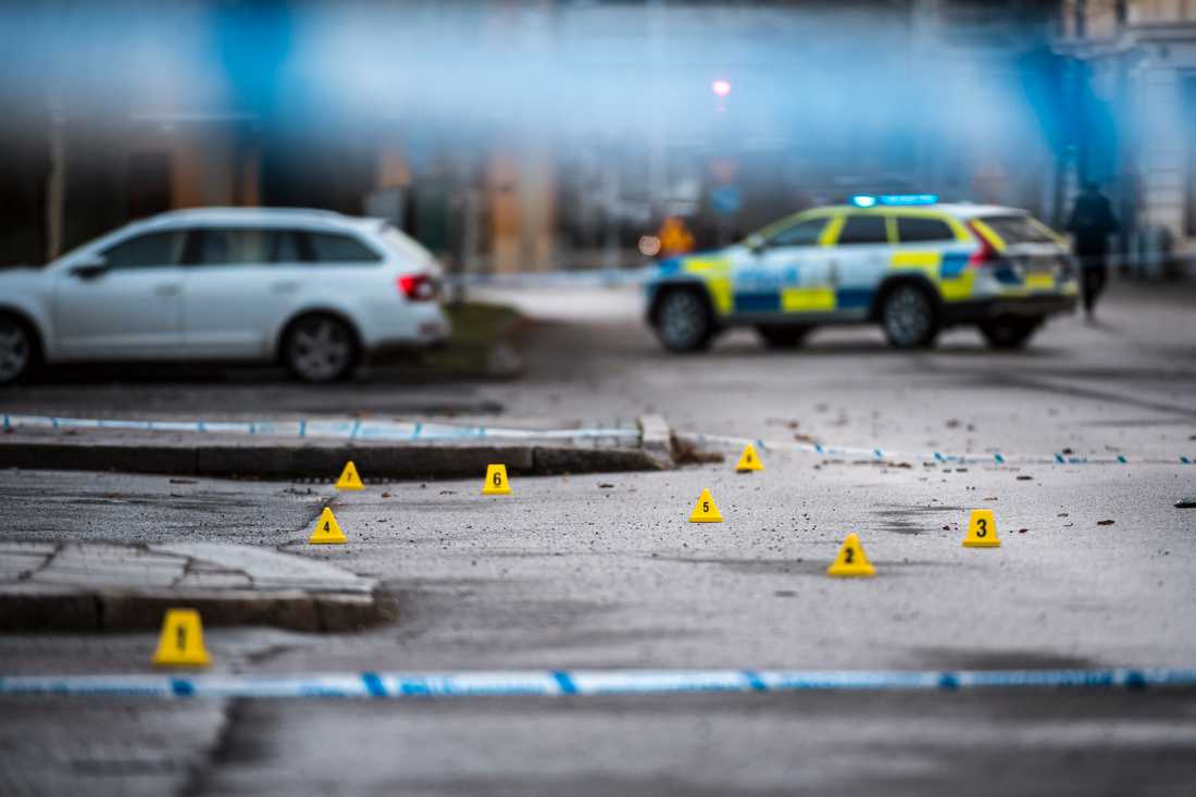 Två män dog efter en skottlossning utanför en nattklubb i Norrköping i början av december.