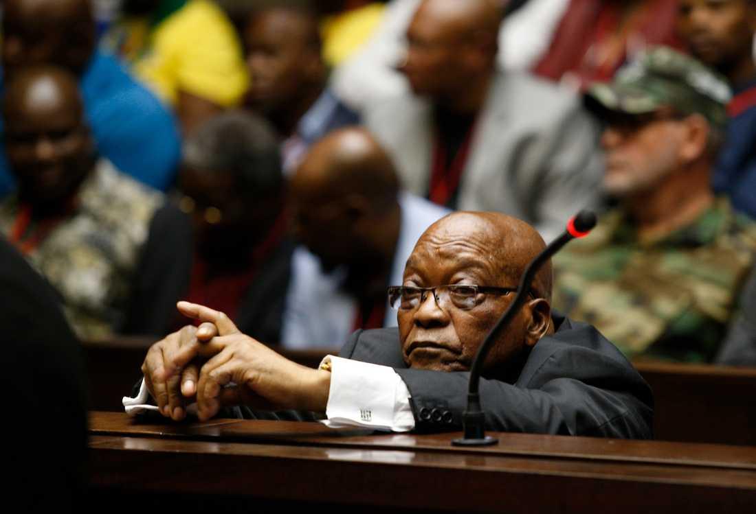 Sydafrikas tidigare president Jacob Zuma under korruptionsrättegången i november.