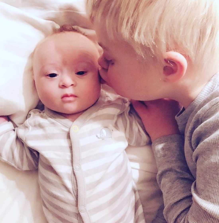 Julian såg direkt att Walter har Downs syndrom.