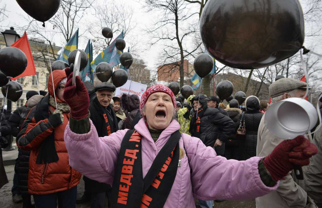Ryska kommunistpartiet deltog i marschen i Moskva.