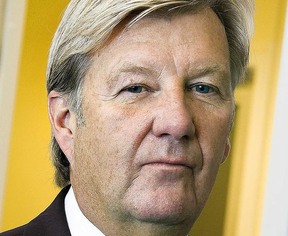 """ALERIS Stanley Brodén, vd. Verksamhet inom sjukvård, äldreomsorg och psykisk hälsa. Tolv bolag i koncernen. Omsättning: 2,9 miljarder kronor. Bolagsskatt: 20,8 miljoner kronor. Kommentar: Uppger att de inte skickar pengar till skatteparadis. Skattar endast i två svenska bolag eftersom moderbolaget Aleris Holding AB används """"som så kallat skattesubjekt""""."""