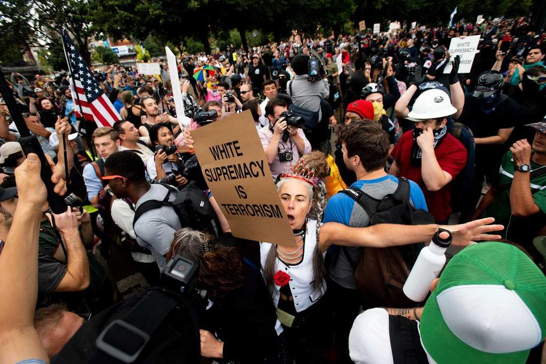 Antifascistiska motdemonstranter samlades i Portland.