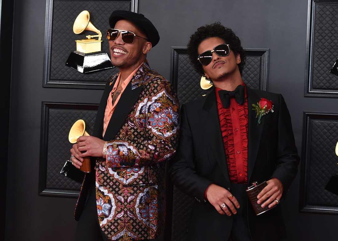 Anderson .Paak och Bruno Mars uppträdde även tillsammans på galan.