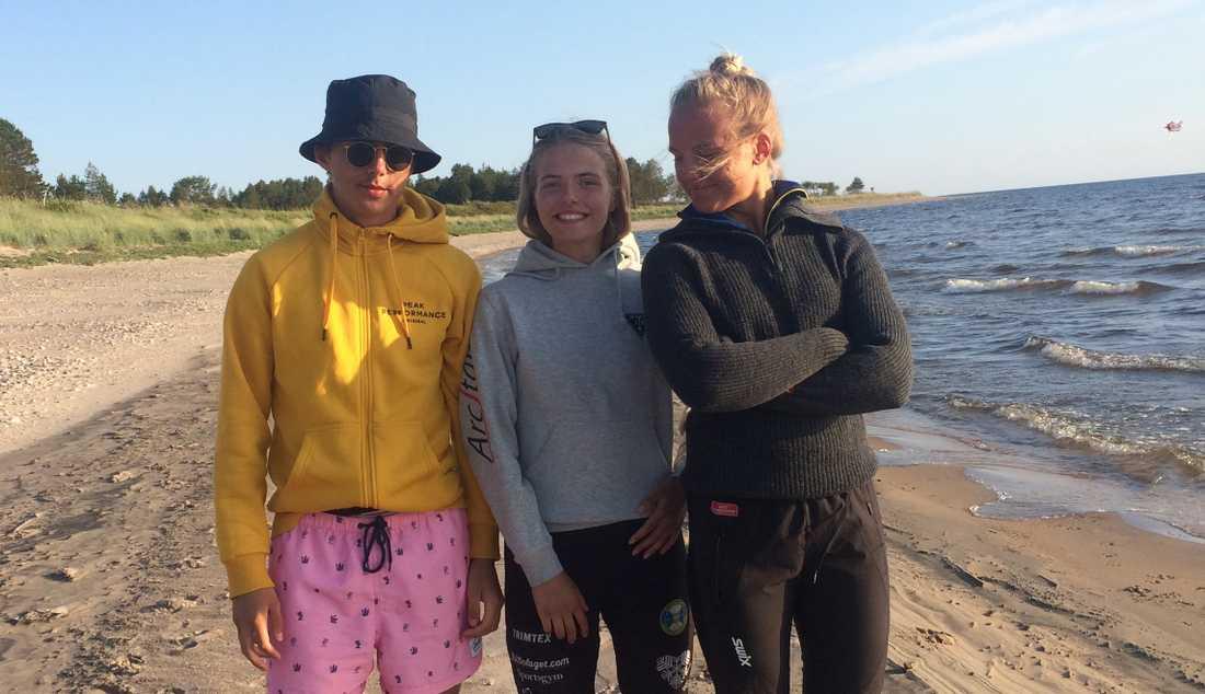 Brorsan Leo, systern Alva och Linn Svahn.