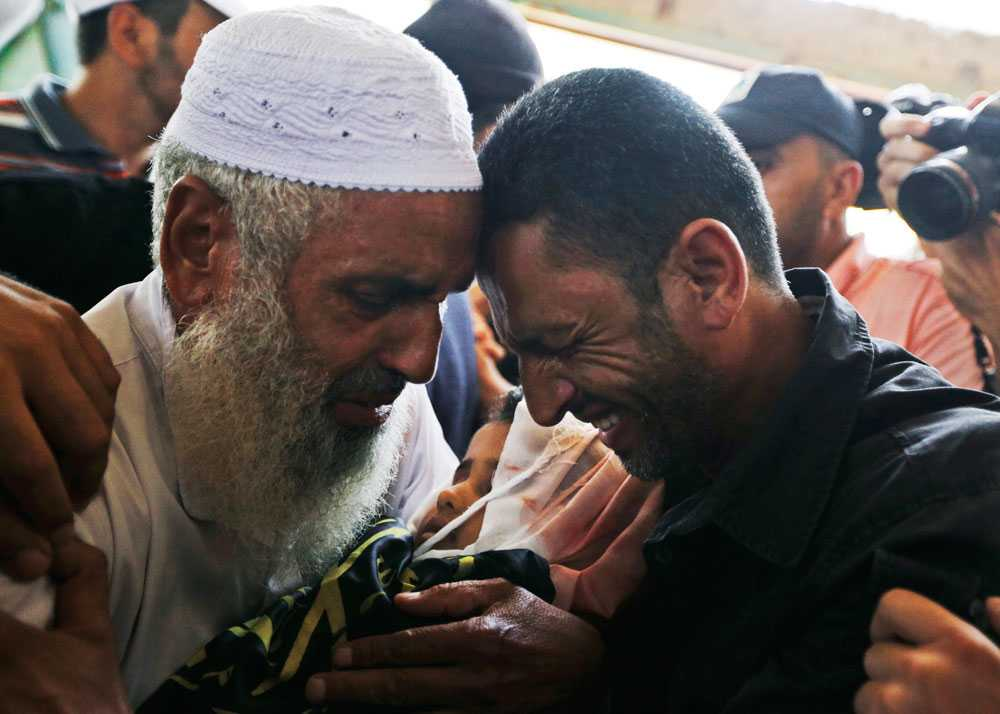 Under de första 11 dagarna dödas drygt 200 människor i Gaza, en femtedel av dem är minderåriga.