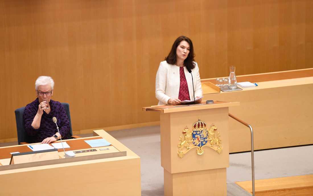 Utrikesminister Ann Linde (S) talar under den utrikespolitiska debatten i riksdagen i Stockholm.