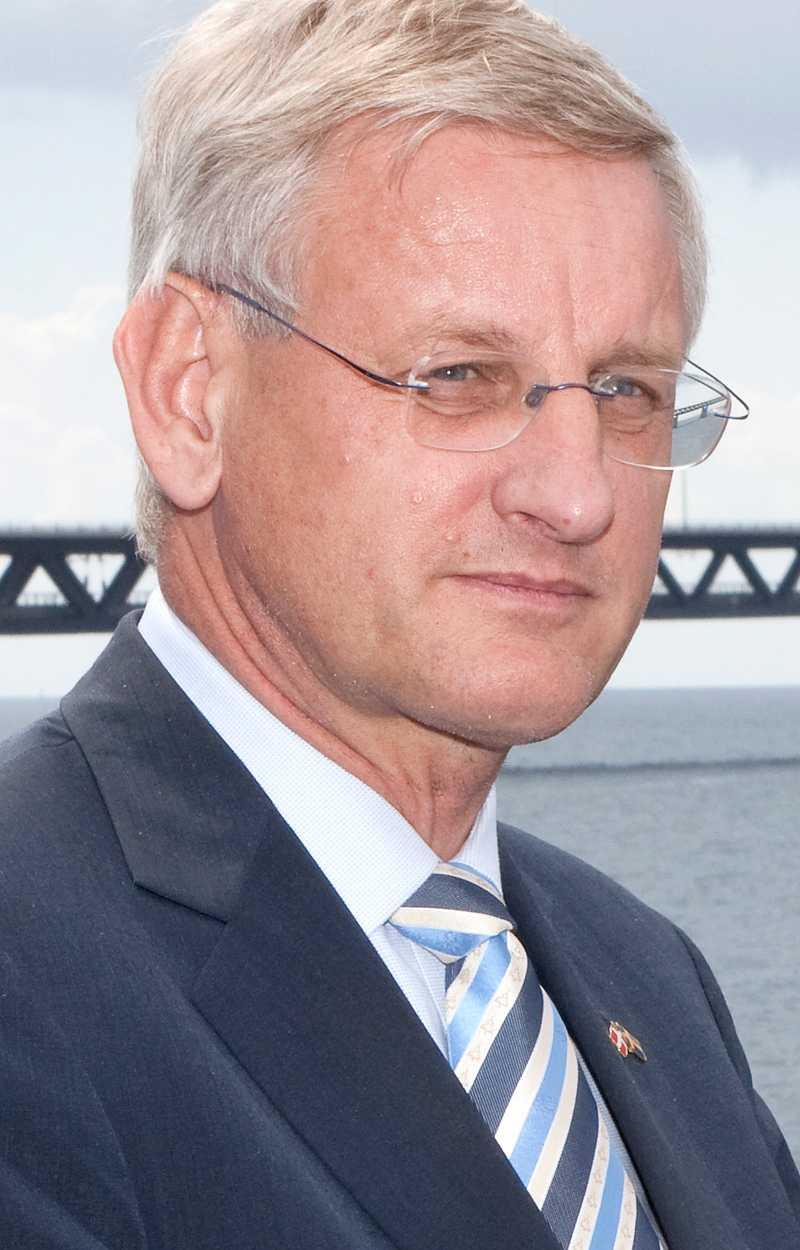 vägrar uttala sig En svensk åklagare en förundersökning för att utreda om dåvarande Lundin Petroleum, där Carl Bildt tidigare satt i styrelsen, kan ha gjort sig skyldigt till folkrättsbrott i Sudan. Själv vägrar Bildt att kommentera beslutet.
